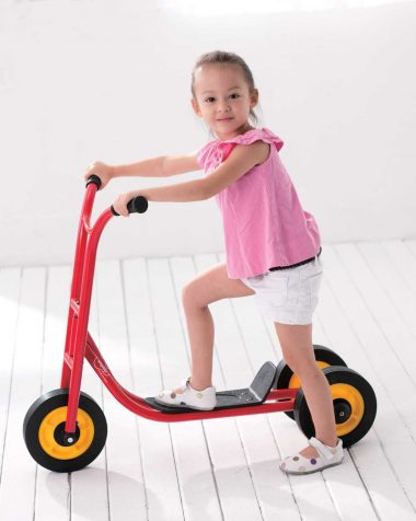 We Play 3 Wheel Scooter