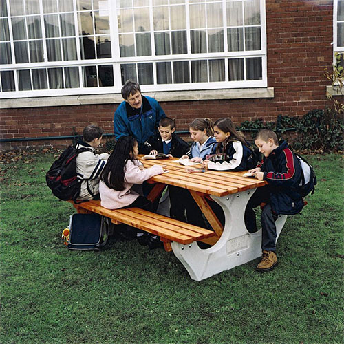 Outdoors tables and chairs